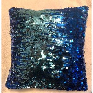 BLUE SEQUIN PILLOW W/ BLACK FUR BACKSIDE-12x12